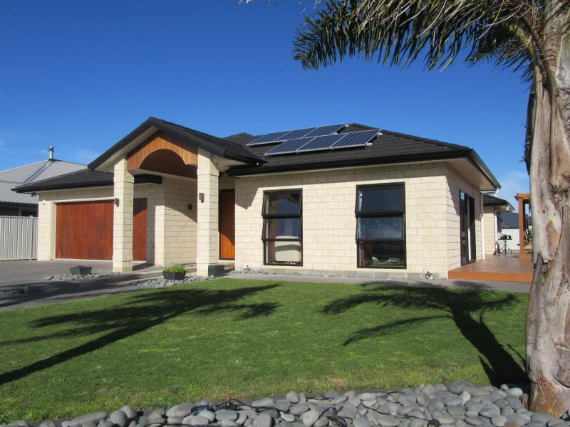20 Fisher Place, Lytton West