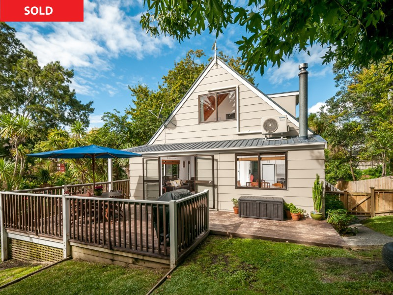 8A Cresta Avenue, Beach Haven