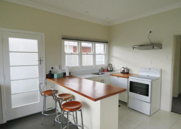 5c Pendarves St, New Plymouth