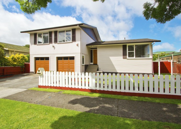 18 Orr Crescent, Central Hutt
