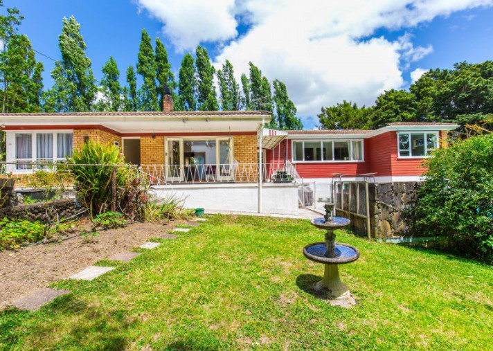 49 Grande Vue Road, Hill Park