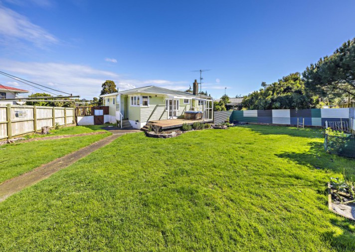 31 Dreadon Road, Manurewa