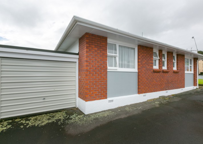 2/304 Devon Street West, New Plymouth