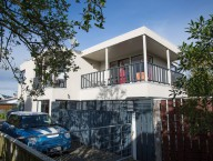 255a Manly Street