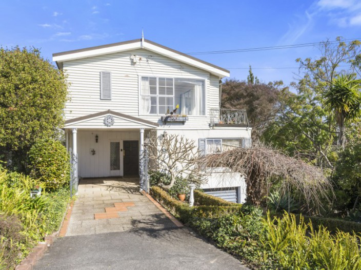 16-woodside-crescent-st-heliers