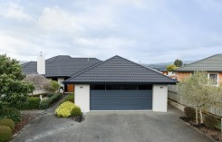 26b Johnstone Drive