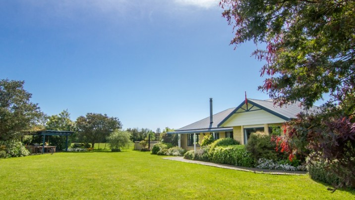 2 Montys Lane, Greytown