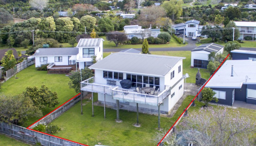 33 Riverview Road, Cooks Beach
