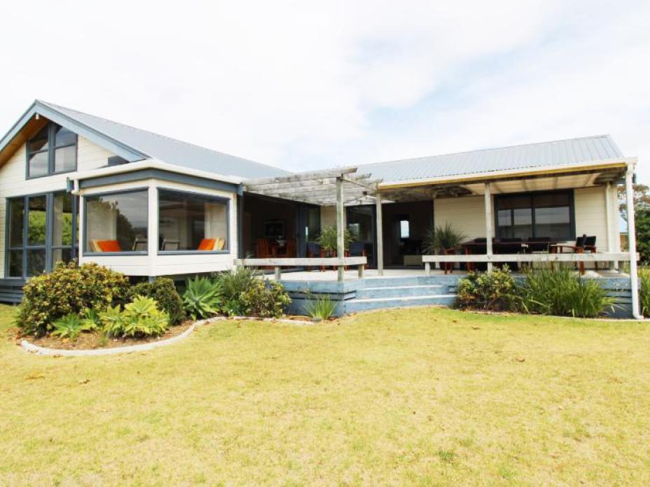 117 Castle View Road , Matarangi